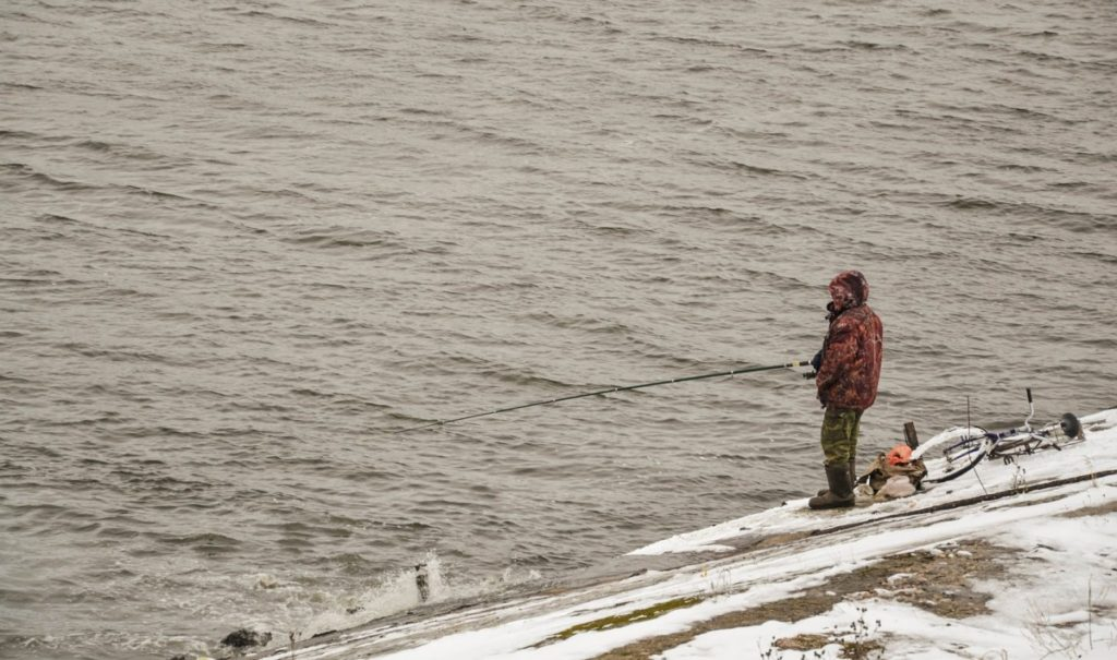 How do you fish for bass in 40 degree water?